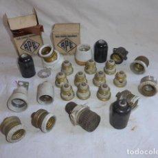 Antigüedades: * GRAN LOTE DE ELECTRICIDAD ANTIGUA. PORTALAMPARAS, GRAPAS, PORTALAMPARA ANTIGUO... ZX. Lote 98575059