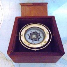 Antigüedades: BUJULA COMPAS DE BOTE JAPONESA,AÑO 1963 CON GRABACION CERT. EN CAJA,RESTAURADA AL MILIMETRO. Lote 98677103