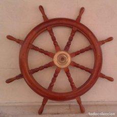 Antigüedades: TIMON DE MADERA Y BRONCE DE BARCO. MEDIDAS TOTALES CON LOS MANGOS 92 CM. Lote 98743759