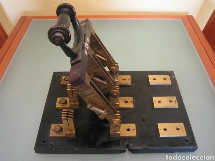 ANTIGUO INTERRUPTOR DE PALANCA GIGANTE (Antigüedades - Técnicas - Herramientas Profesionales - Electricidad)