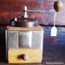 Antigüedades: MOLINILLO DE CAFÉ MADERA Y METAL. PEUGEOT FRERES.. C 1940. FRANCIA. Lote 98802139