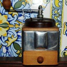 Antigüedades: MOLINILLO DE CAFÉ MADERA Y METAL. PEUGEOT FRERES. C 1940. FRANCIA. Lote 98803287