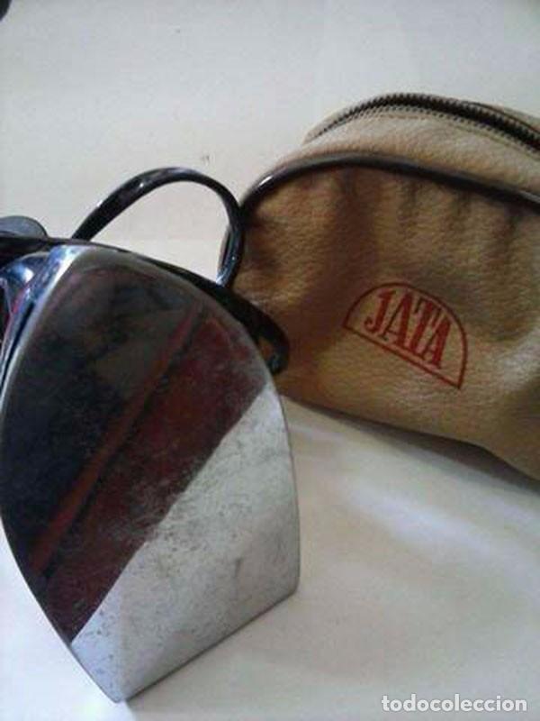 Antigüedades: PLANCHA ELÉCTRICA DE VIAJE JATA + FUNDA - Foto 2 - 98888083