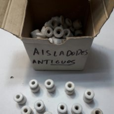 Antigüedades: LOTE 65 AISLANTES DE PORCELANA AÑOS 30. Lote 99171966