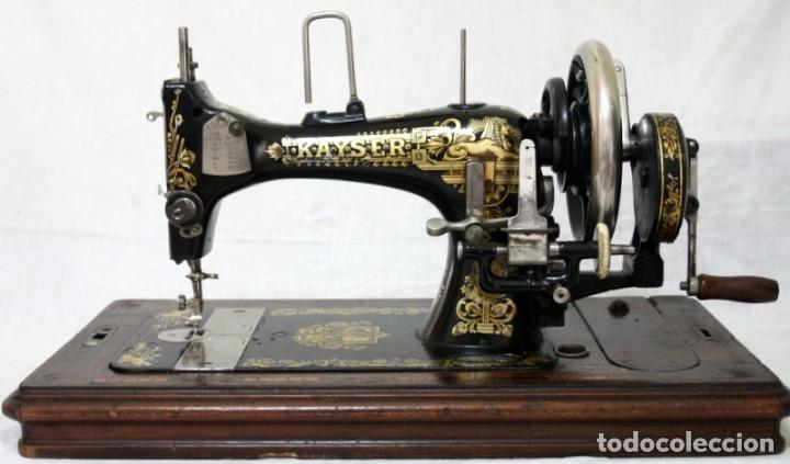 Antigüedades: Antigua máquina de coser de manivela KAYSER, con su caja de madera. - Foto 5 - 99273959