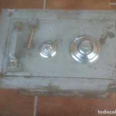 Antigüedades: CAJA FUERTE DE PARED GRUBER BILBAO. Lote 99408251