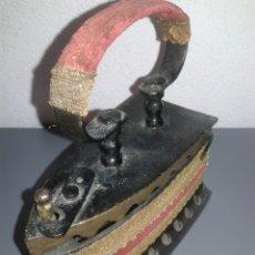 Antigüedades: ANTIGUA PLANCHA DE CARBÓN EN PERFECTO ESTADO DE CONSERVACIÓN PRECIOSA. Lote 99447410