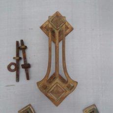Antigüedades: ALDABA O LLAMADOR MODERNISTA CON TIRADOR DEL SIGLO XIX. Lote 99475027