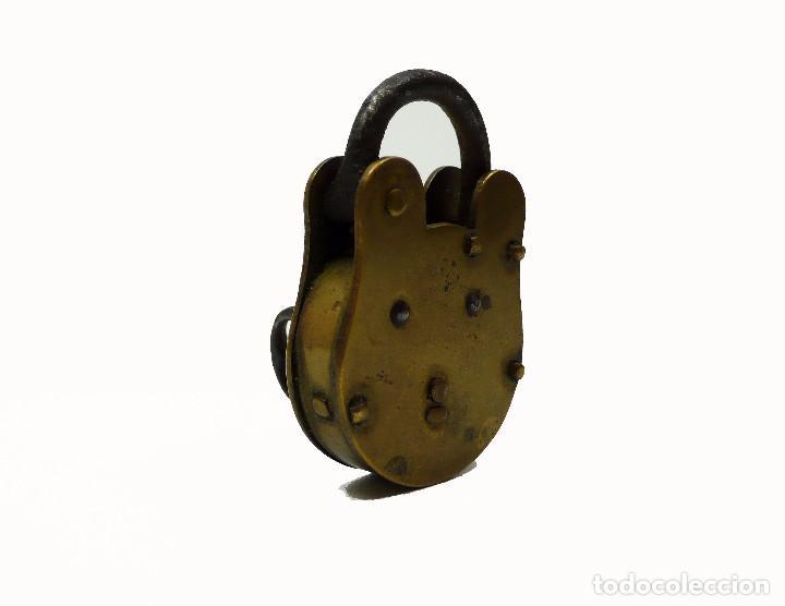 Antigüedades: Antiguo candado de hierro y latón J.Banks & Co- Willenhall UK - Foto 4 - 99726099