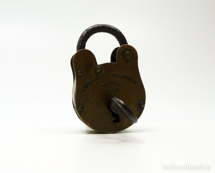 Antigüedades: Antiguo candado de hierro y latón J.Banks & Co- Willenhall UK - Foto 5 - 99726099