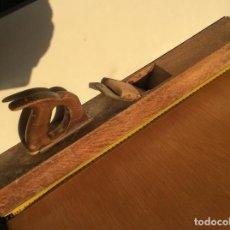 Antigüedades: GARLOPA O CEPILLO GRANDE DE CARPINTERO 63 CENTIMETROS. Lote 99818167
