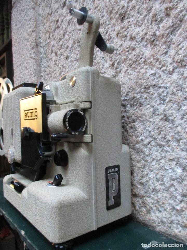 Antigüedades: PROYECTOR MODELO ' EUMIG P8 ' AUSTRIA HACIA 1950/60 - CARECE LAMPARA, PROBADO, INC CAJA + INFO - Foto 2 - 99985931