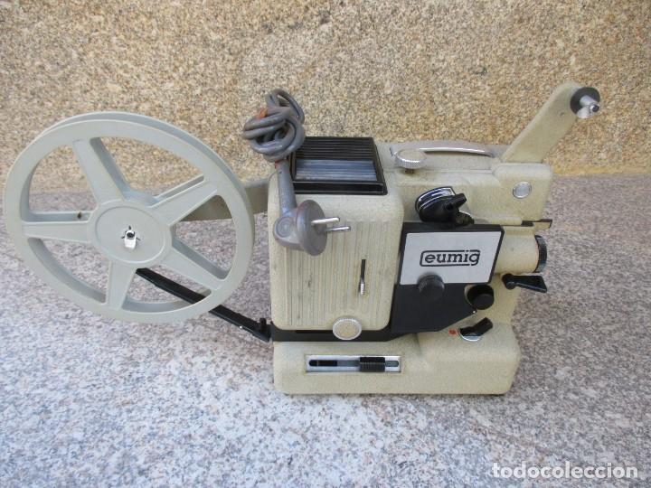 Antigüedades: PROYECTOR MODELO ' EUMIG P8 ' AUSTRIA HACIA 1950/60 - CARECE LAMPARA, PROBADO, INC CAJA + INFO - Foto 6 - 99985931