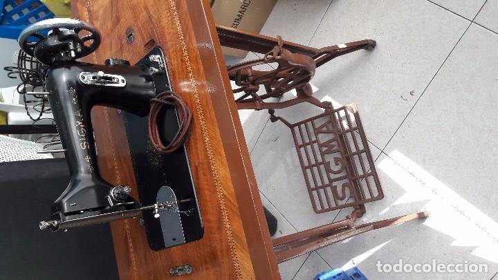 Antigüedades: maquina de coser con pie y mesa - Foto 2 - 100124619