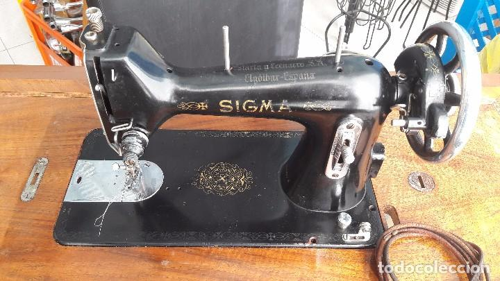Antigüedades: maquina de coser con pie y mesa - Foto 3 - 100124619