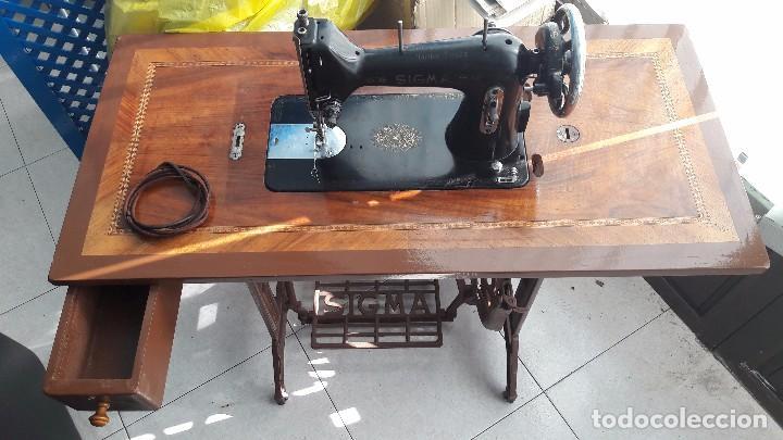 Antigüedades: maquina de coser con pie y mesa - Foto 14 - 100124619