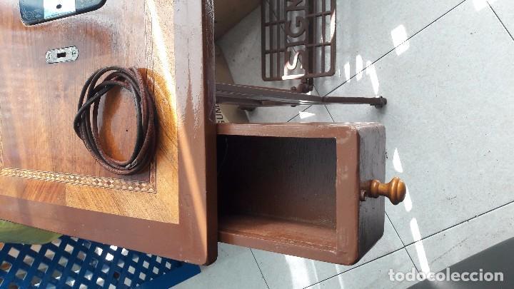 Antigüedades: maquina de coser con pie y mesa - Foto 15 - 100124619