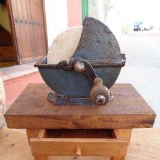 Antigüedades: PIEDRA DE AGUA PARA AFILAR, ANTIGUA ALEMAN- SIN MESA -. Lote 100227586