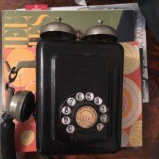 Teléfonos: TELEFONO DE BAQUELITA DE PARED. AÑOS 30.. Lote 100258408
