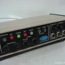 Antigüedades: ELECTRO ESTIMULADOR C.M.L Y CIA MOD: E-104 - A BATERIA - PULSOS - 4 CANALES . Lote 100278923