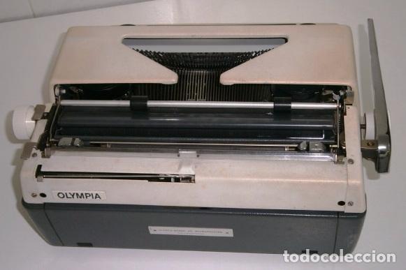 Antigüedades: Máquina de escribir de la marca Olympia, modelo Mónica en su estuche original - Foto 10 - 53848120