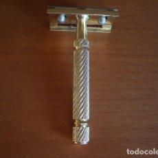 Antigüedades: MAQUINILLA DE AFEITAR BETER DORADA DESMONTABLE . Lote 100411511
