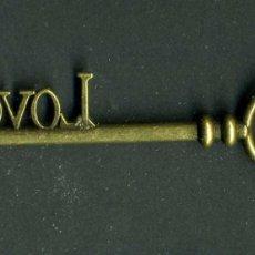 Antigüedades: LLAVE VINTAGE DE BRONCE - MIDE 8,4 X 2,3 CENTIMETROS Y PESA 8,79 GRAMOS - ( LOVE ) Nº8. Lote 100435463