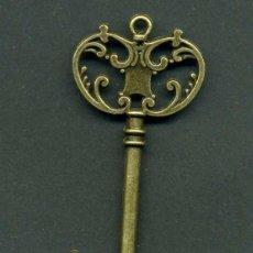 Antigüedades: LLAVE VINTAGE DE BRONCE - MIDE 6,7 X 3 CENTIMETROS Y PESA 7,10 GRAMOS - Nº13. Lote 154045178