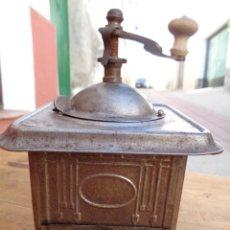 Antigüedades: MOLINILLO DE CAFÉ, METAL ANTIGUO ALEMAN EPOCA 1930. Lote 100456363