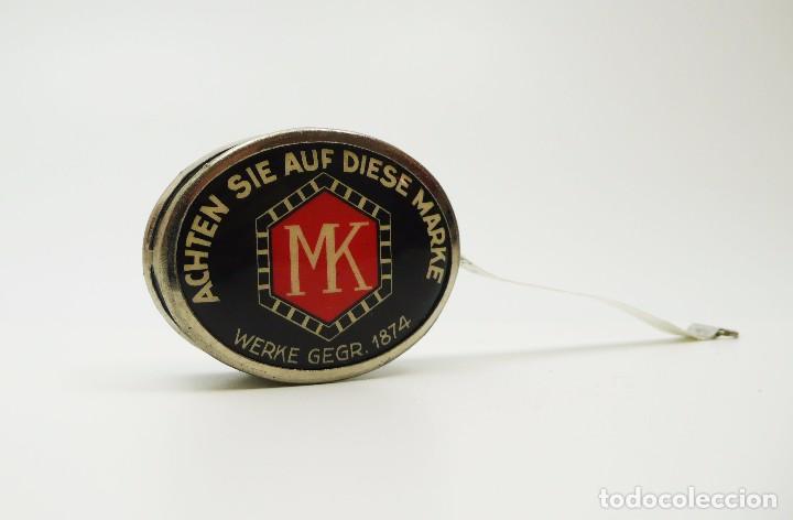 Antigüedades: Cinta métrica de metal cromado y celuloide con publicidad - Reklame Roll band mass Alemania- años 30 - Foto 3 - 100753107