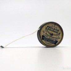 Antiquitäten - Cinta métrica de metal cromado y celuloide con publicidad - Reclame Rollmass Alemania- años 30 - 100753879