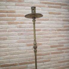 Antigüedades: HACHON ANTIGUO REALIZADO EN HIERRO FORJADO Y BALAUSTRE DE BRONCE.. Lote 100982951