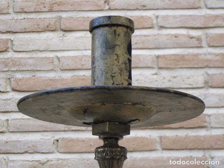 Antigüedades: HACHON ANTIGUO REALIZADO EN HIERRO FORJADO Y BALAUSTRE DE BRONCE. - Foto 4 - 100982951