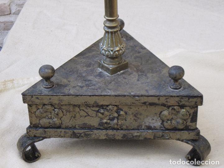 Antigüedades: HACHON ANTIGUO REALIZADO EN HIERRO FORJADO Y BALAUSTRE DE BRONCE. - Foto 7 - 100982951