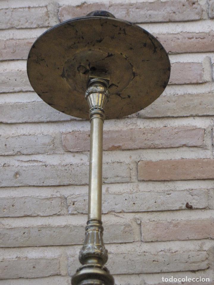 Antigüedades: HACHON ANTIGUO REALIZADO EN HIERRO FORJADO Y BALAUSTRE DE BRONCE. - Foto 10 - 100982951