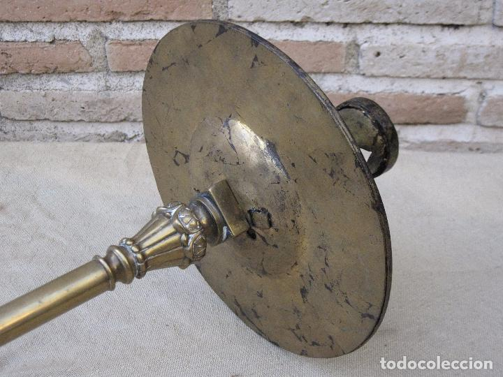 Antigüedades: HACHON ANTIGUO REALIZADO EN HIERRO FORJADO Y BALAUSTRE DE BRONCE. - Foto 11 - 100982951