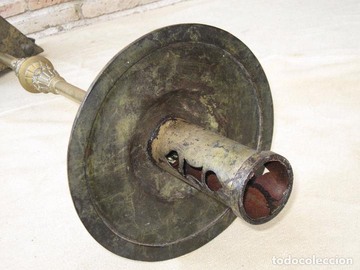 Antigüedades: HACHON ANTIGUO REALIZADO EN HIERRO FORJADO Y BALAUSTRE DE BRONCE. - Foto 13 - 100982951