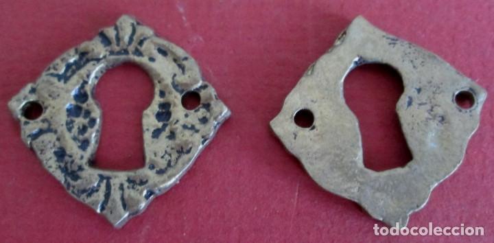 Antigüedades: 5 Boca llave bronce - latón Medidas 3 x 3 cm. - Foto 2 - 101021615