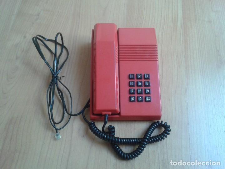 TELÉFONO ROJO Y NEGRO -- AMPER -- MADE IN SPAIN -- PERFECTO ESTADO -- FUNCIONANDO -- VER FOTOS (Antigüedades - Técnicas - Teléfonos Antiguos)