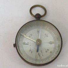 Antigüedades: ANTIGUA BRUJULA CON FRENO. Lote 101085859