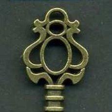 Antigüedades: LLAVE ANTIGUA DE BRONCE - MIDE 4,6 X 1,8 CENTIMETROS Y PESA 3,65 GRAMOS - Nº185. Lote 101125767