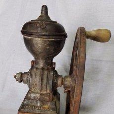 Antigüedades: ANTIGUO MOLINILLO DE CAFÉ CON UNA RUEDA. Lote 101132839