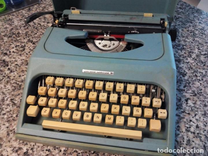 MAQUINA ESCRIBIR OLIVETTI (Antigüedades - Técnicas - Máquinas de Escribir Antiguas - Otras)