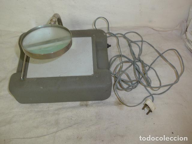 ANTIGUA LUPA CON LUZ DE JOYERO, ORIGINAL. (Antigüedades - Técnicas - Instrumentos Ópticos - Lupas Antiguas)