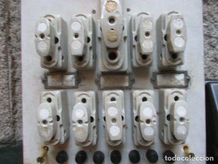 Antigüedades: ANTIGUO CUADRO ELECTRICO FABRIL DE PARED EN MARMOL, BAKELITA Y PORCELANA 42*25CM HACIA 1940 + INFO - Foto 2 - 101405371