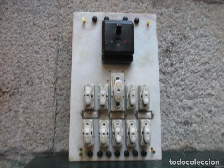 Antigüedades: ANTIGUO CUADRO ELECTRICO FABRIL DE PARED EN MARMOL, BAKELITA Y PORCELANA 42*25CM HACIA 1940 + INFO - Foto 4 - 101405371