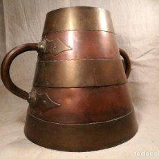 Antigüedades: GRAN MESURA-MEDIDA DE GRANO, SELLA BALDE AÑO 1900.EN COBRE Y LATON CELEMIN-CUARTERA-FANEGA. Lote 101469203