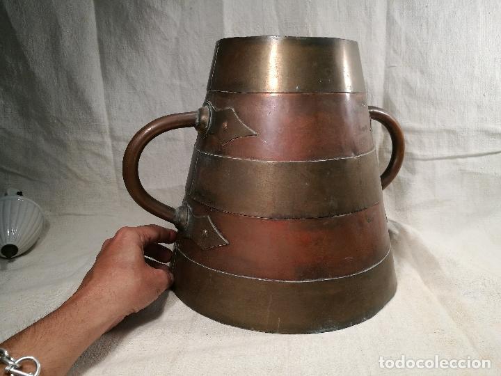 Antigüedades: GRAN MESURA-MEDIDA DE GRANO, SELLA BALDE AÑO 1900.EN COBRE Y LATON CELEMIN-CUARTERA-FANEGA - Foto 2 - 101469203