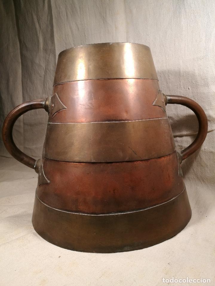 Antigüedades: GRAN MESURA-MEDIDA DE GRANO, SELLA BALDE AÑO 1900.EN COBRE Y LATON CELEMIN-CUARTERA-FANEGA - Foto 5 - 101469203