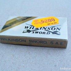 Antigüedades: ANTIGUA CAJITA DE HOJAS DE AFEITAR WILKINSON SWORD, IRUN, 5 HOJAS, NUEVA SIN ABRIR. Lote 101571547